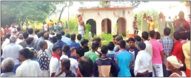 यूपी : मंदिर में सेवादार की गला रेतकर हत्या